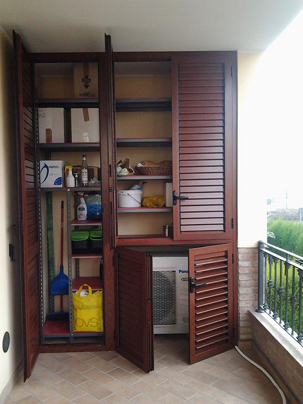 Armadio balcone 28 images armadio da esterno in legno portascope e attrezzi per balcone - Armadi per esterno in legno ...